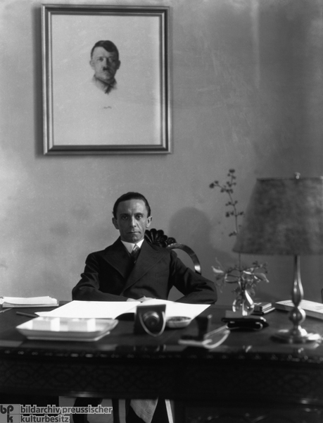 joseph goebbels avid supporter of war Obituary: brunhilde pomsel, 'dumb' secretary to nazi propaganda boss joseph goebbels in which goebbels called for a war more total and radical than anything.